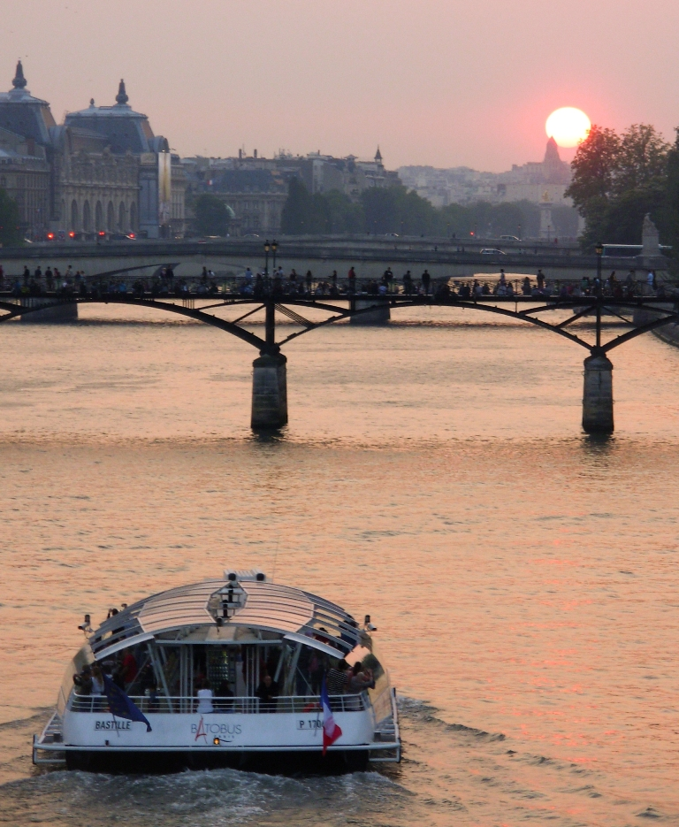 Batobus sunset, Paris